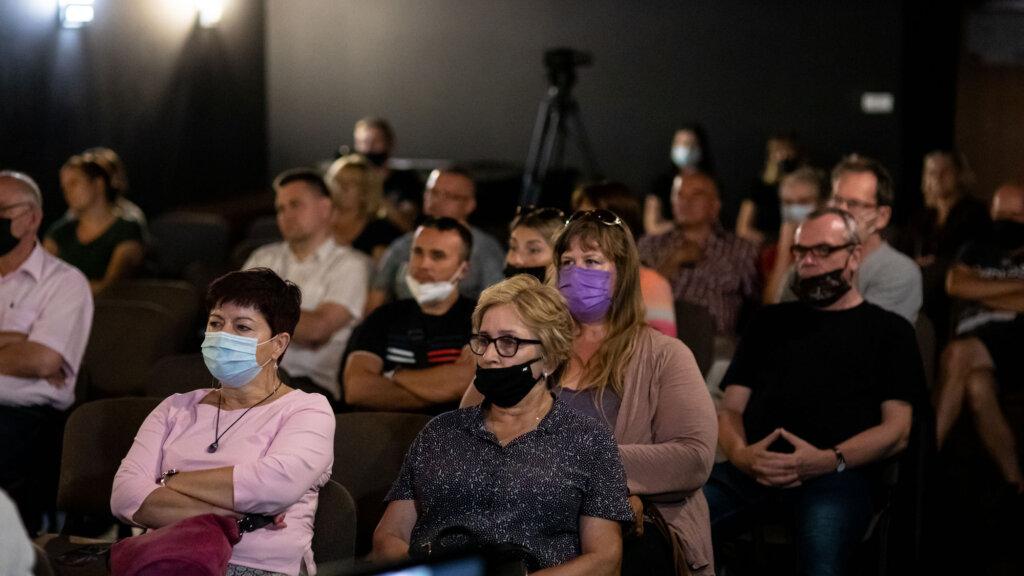 Publiczność podczas spotkania z Dorotą Landowską i Mariuszem Bonaszewskim w ramach 15. DWF
